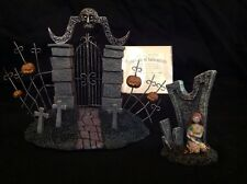 Hawthorne Village Nightmare Before Christmas Sally & The Cemetery Gate Figures