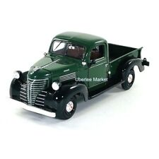 1941 Plymouth Pickup Truck Green 1:24 Diecast Vehicle Motormax 73278