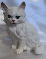 "Vintage Lefton H1514 White Porcelain Cat Kitten Figurine-5.5"" ""Chippy"""
