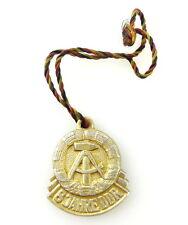#e2370 cfr. volume IV s.174, N. 1918 distintivo di cordoncino 8 anni DDR