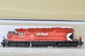 HO Scale Bowser GMD SD40-2 CP Rail #6038 as delivered with sound