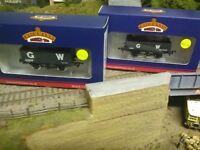 Bachmann 1X 37-087 GWR 7 plank wagon and 1X 37-068 GWR 5 plank wagon BNIB