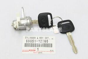 TOYOTA GENUINE Corolla Geo Prizm Door Lock Cylinder & Key Tumbler Set 6905112360
