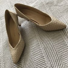 Vintage Chandlers Cream Tan Off White Basket Weave Leather Pumps Size 7Aa Euc