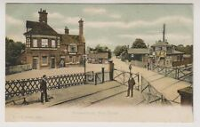 Hampshire postcard - Brockenhurst Railway Station, New Forest - FGO Stuart 1064