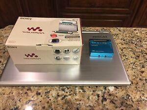 SONY RECORDING MD Walkman MZ-R900 Blue Made in Japan Mint New in Original Box
