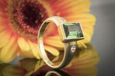Schmuck Ring mit großem Turmalin eckig & 2 Brillanten 585 Gelbgold teilmattiert
