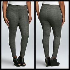 NWT Torrid Plus Size 3X Black/Gray Slim Fix Static Print Skinny Pant (AAA17)