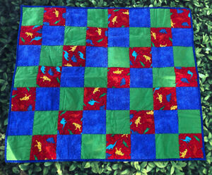 """Quilt Handmade children's kid Quilt With Dinosaurs 46"""" x 41.5"""" lap or wall EUC"""
