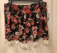 Forever 21 Black Floral Shorts With Crochet Lace Trim Size 2X NWT