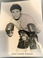 Julio Cesar Chavez Signed 8 x 10 Boxing Photo High Gloss  B&W