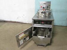 Bki Fkm F Commercial Hd Digital 208v 3ph Electric Pressure Fryer Withfiltration