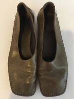 Donna Karan Olive Leather Casual Ballet Flats Size 7