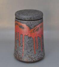 Sixties - Deckeldose mit roter Laufglasur monogrammiert HK