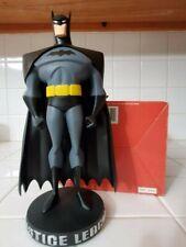 batman statue justice league