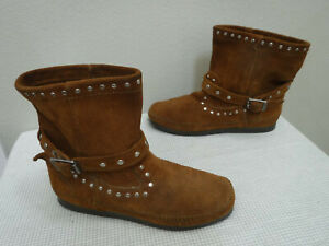 Women's MINNETONKA MOCCASIN 6 Brown Leather Studded Buckle Mid Booties Flats