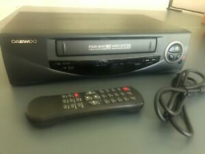 Daewoo 4-Head Video Cassette Recorder VHS Player Tested & Working Remote EUC