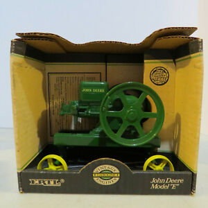 "Ertl John Deere Model ""E"" Engine  1/6 JD-4350-B2"