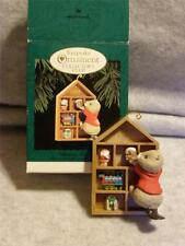 Beaver Bookcase Hallmark Keepsake Ornament * Collector'S Club*1995