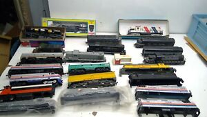 LARGE VINTAGE HO SCALE LOT-Locomotives some repair/dummies/Chassis SEE PICS(H88)