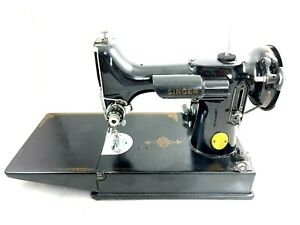 Singer Featherweight Sewing Machine 1946 Model with Case and accessories