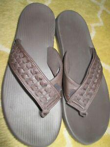 mens brown leather slip on nike sandals 11 nwot flip flop