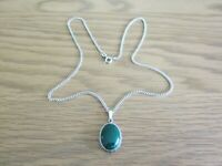 "STERLING SILVER GREEN ONYX PENDANT & 18"" CHAIN"