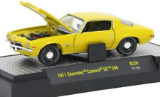 L79 32600 39 M2 MACHINES DETROIT MUSCLE 1971 Chevrolet Camaro SS 396 Placer Gold
