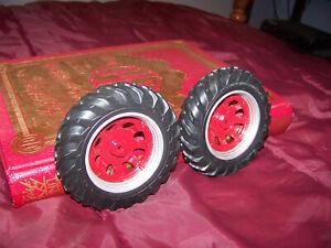 Parts, International Hydro 70 rear wheels, 1/16, Ertl, Plastic rims, custom IH