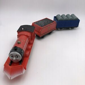 A446 Thomas & Friends TrackMaster Motorized SNOW CLEARING SNOWPLOW JAMES TRAIN