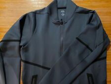 Oakley Golf Jacket BNWT. Size Large, Lovely jacket but wrong size for me.