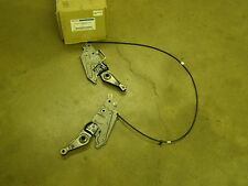 NOS OEM Ford 2005 2006 2007 500 Freestyle Montego Seat Latch Assy. +08-09 Taurus