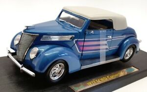 Road Legends 1/18 Scale Model Car 92239 - 1937 Ford Convertible - Met Blue