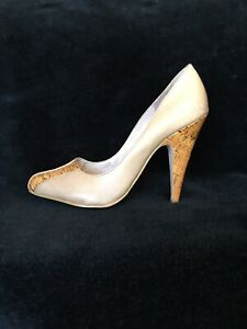 RMK nude colour leather shoes with cork heels , s. 6,5