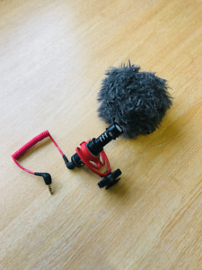 Rode VideoMicro // Compact On Camera Microphone