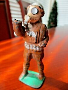 """Vintage Barclay Manoil Lead Toy Soldier 3.5"""" Figure Gas Mask Flare Gun"""