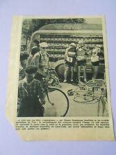 Le Tour de France ravitaillement au Stand Coca Cola Print 1951