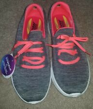 New Skechers Women's Walking Athletic Shoes Size 7.5 Goga Max 4 Gray & Hot Pink