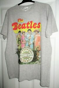 THE BEATLES*** SGT PEPPERS LONELY HEARTS CLUB BAND** TEE SHIRT APPLE BRANDED