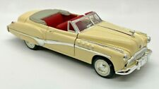SIGNATURE MODELS - 1949 BUICK ROADMASTER CONVERTIBLE - 1/32 DIECAST