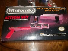 Original Nintendo Action Set LIKE  New with Red Zapper NES Entertainment System