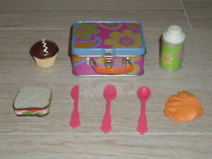 AMERICAN GIRL DOLL - JULIE ALBRIGHT'S SCHOOL LUNCH BOX PLUS ACCESSORIES..