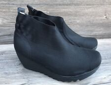 Bernie Mev Maile Black Wedge Ankle Boots Stretch Ribbed Women's 39