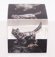 VINTAGE LUCITE/ACRYLIC CAT WITH MOUSE CUBE PAPERWEIGHT
