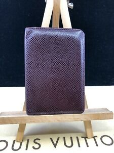 LV1750 LOUIS VUITTON Burgundy Taiga Leather Bifold Card Wallet  Treat Yousef!
