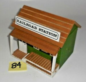 Vintage O 027 S SCALE WOOD RAILROAD STATION 84