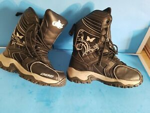 CHOKO Men/Women Lightweight Thinsulate S Boots, Size 6, Black.Need new shoelace.