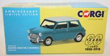 Véhicules miniatures bleus Corgi sous boîte fermée
