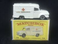 *VHTF Matchbox Lesney 14 C1 Lomas Bedford Ambulance *Grey Plastic Wheels w E3Box