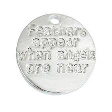 """5 x """"Plumes apparaissent lorsque les anges sont près de"""" Gravé Charm, zinc, argent antique"""